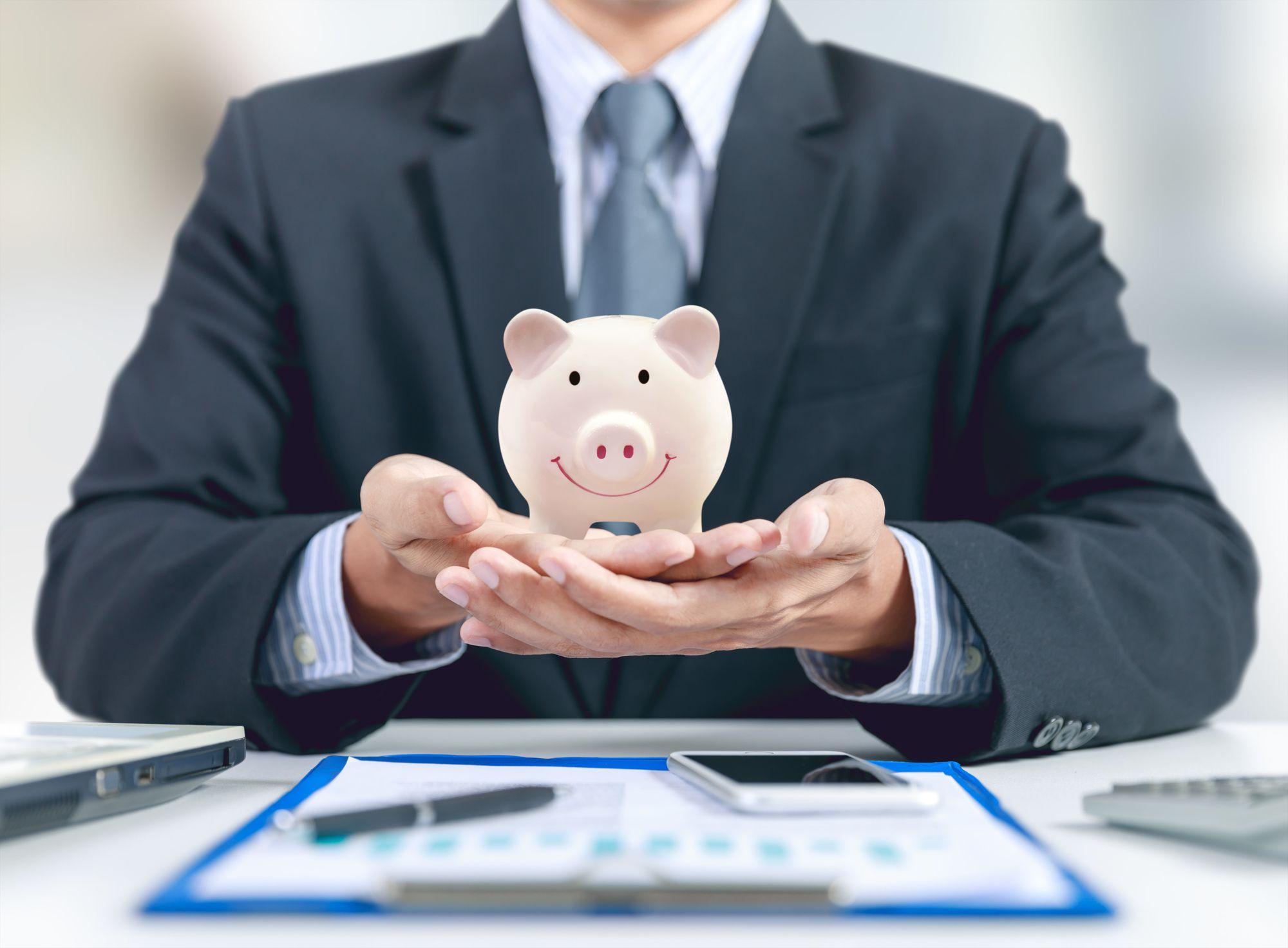 電気代をクレジットカード払いにすると節約になるって本当?