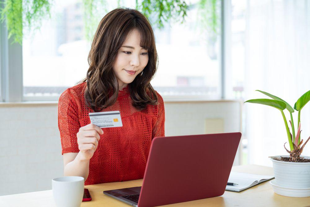 """<span class=""""title"""">電力会社の利用料金はクレジットカード明細でらくらく確認</span>"""